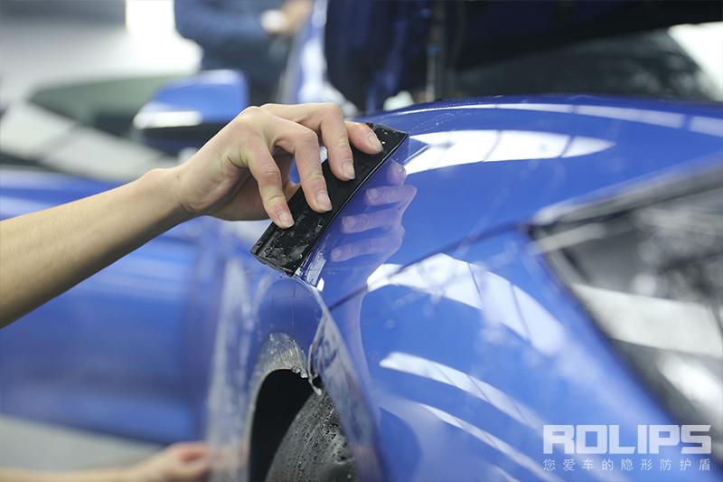 为了每次的光彩 不仅仅是操控 蓝色宝马320i装贴罗利普斯隐行车衣