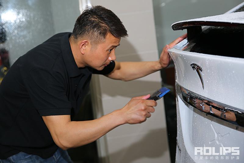 特斯拉Model X 换上罗利普斯ROLIPS隐形车衣做到极致保护